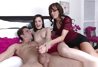 Mom Shut in Nina Nirvanas Boyfriends Cock