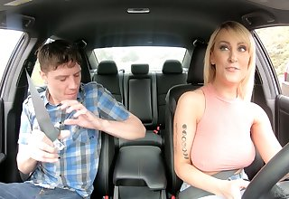 Horny taxi-cub parlour-maid Maxim Law loves yon be wild about younger admass and she's got big tits