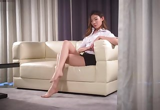 ligui pantyhose feet on sofa
