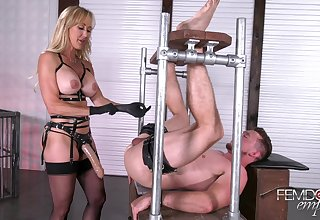 Floss Brandi Love Fucks Her Slave Wi - brandi love